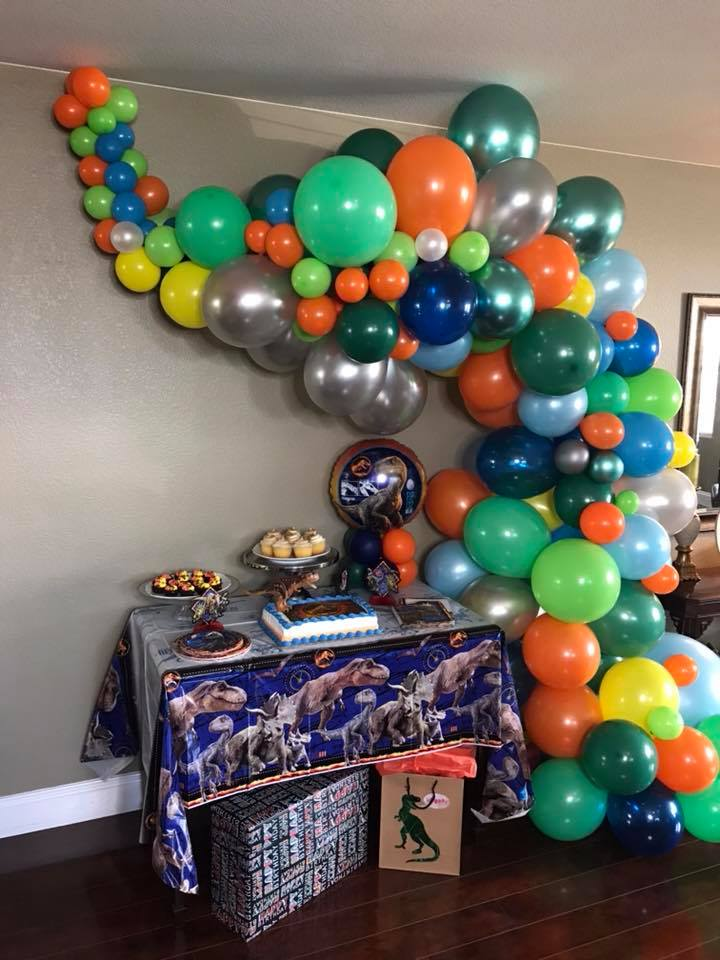 Custom Multi-color Organic Balloon Arch and Centerpieces