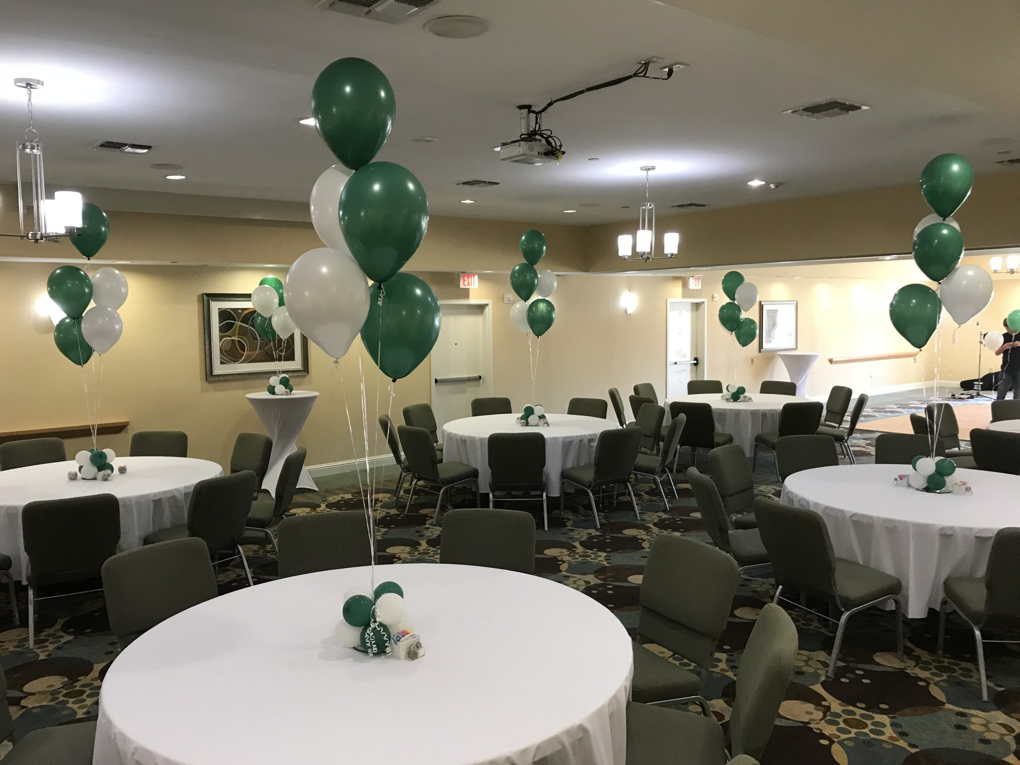 Balloon table toppers