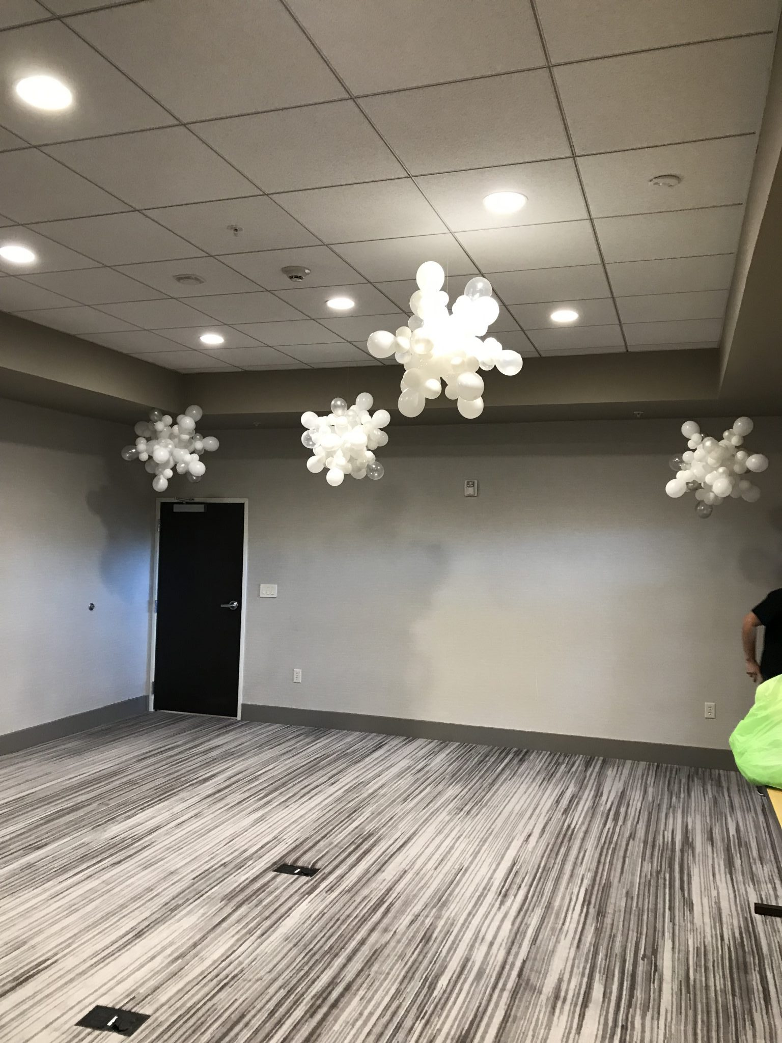Balloon Snow Flakes