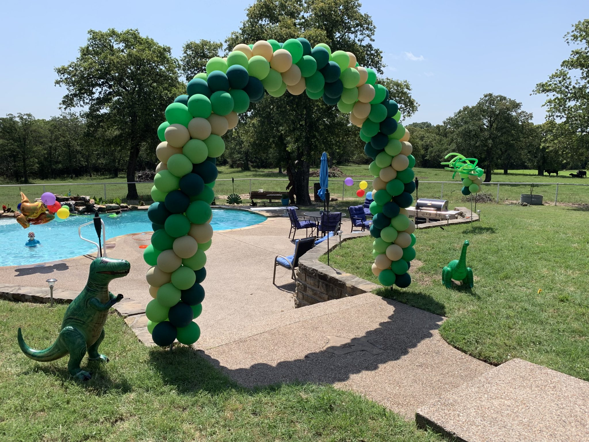 Swirl Balloon Arch | Balloon Arch